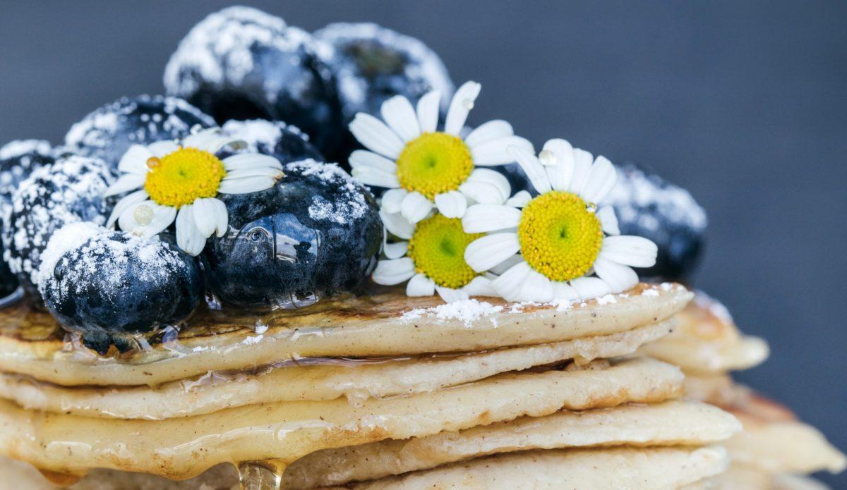 Květiny v kuchyni – které používat a jakým se raději vyhnout?